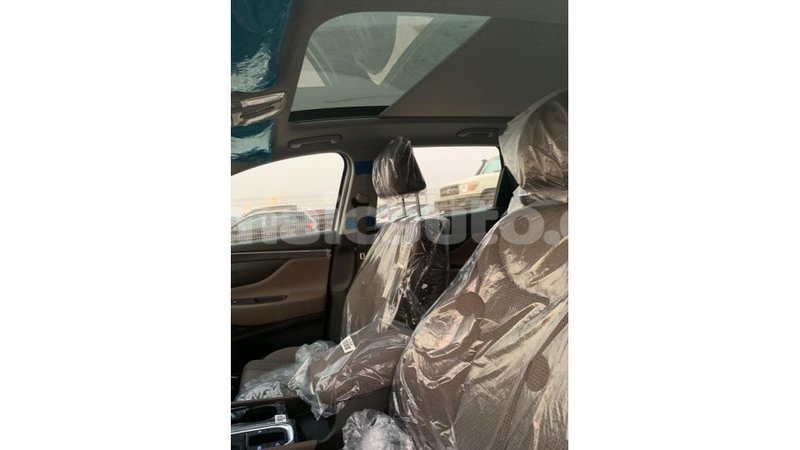 Big with watermark hyundai santa fe clarendon import dubai 2056