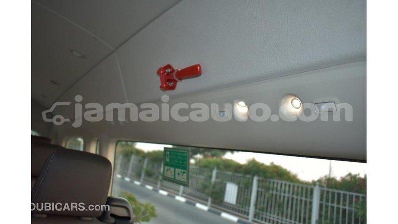 Big with watermark toyota hiace clarendon import dubai 3107