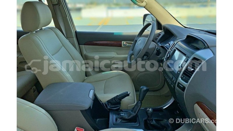 Big with watermark toyota prado clarendon import dubai 3539
