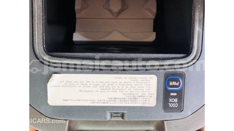 Big with watermark toyota prado clarendon import dubai 3594