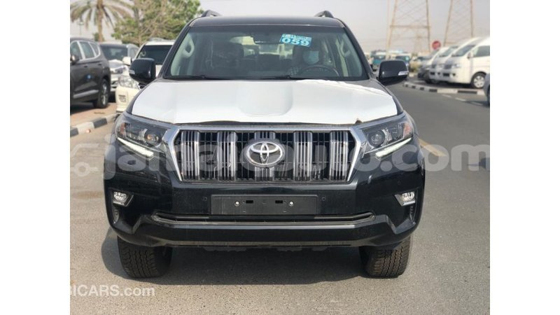 Big with watermark toyota prado clarendon import dubai 3625