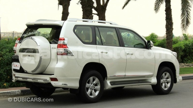 Big with watermark toyota prado clarendon import dubai 3653
