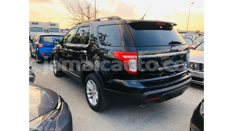 Big with watermark ford explorer clarendon import dubai 3739
