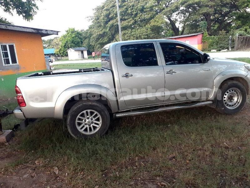 Big with watermark toyota hilux kingston kingston 3749